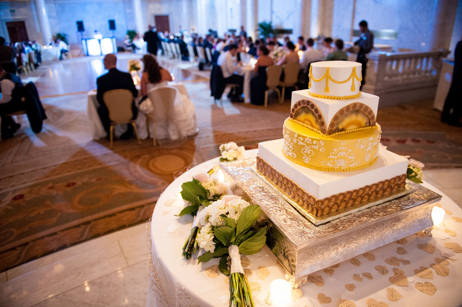 grand historic venue cake reception