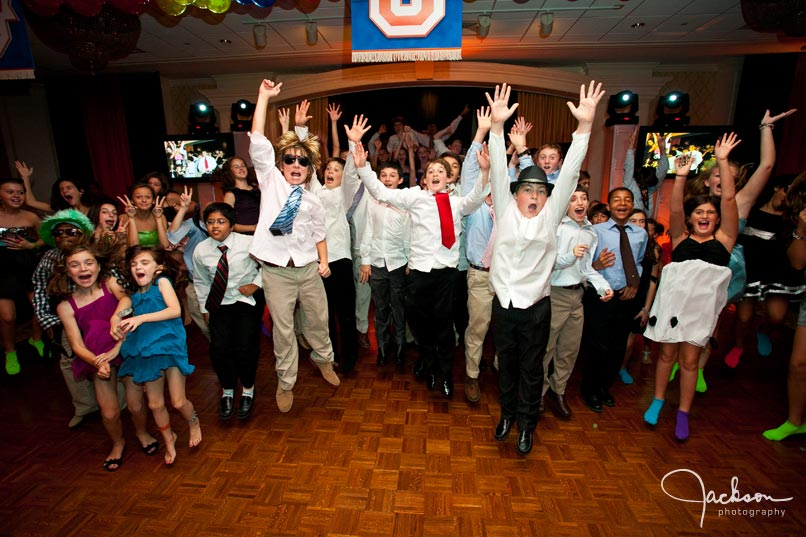 mitzvah kids jumping