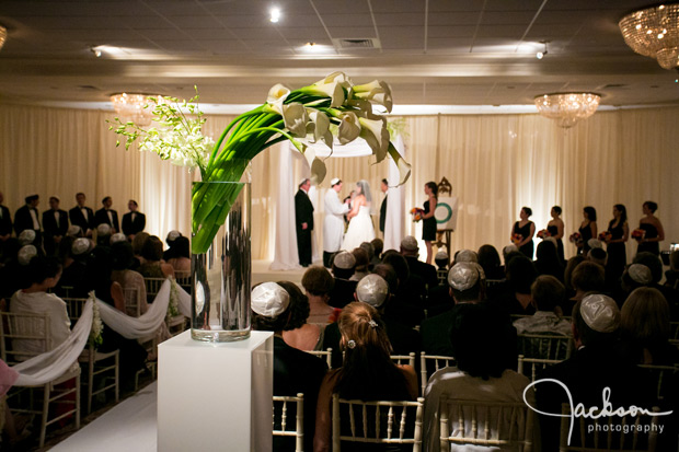 ceremony with calla lilies at woodholme