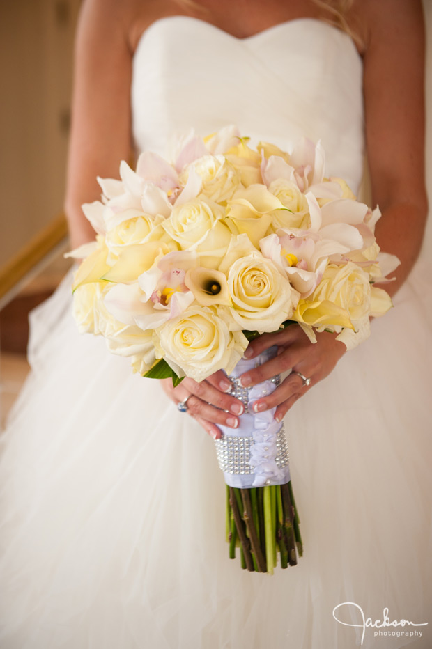 cream and yellow flower bouquet